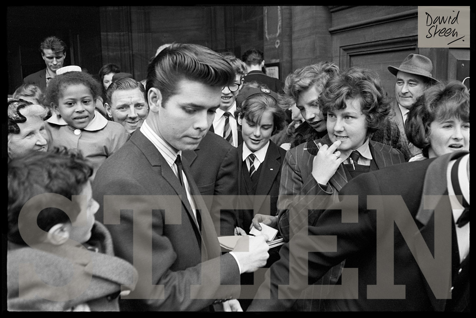 CLIFF RICHARD, SIGNING AUTOGRAPHS, ON TOUR, APRIL, 1964