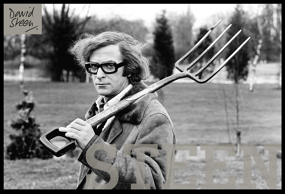 MICHAEL CAINE, WINDSOR, ENGLAND, 1972