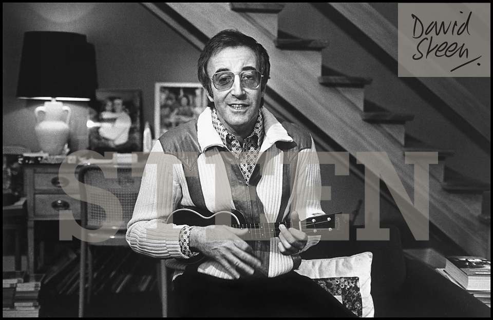PETER SELLERS, BELGRAVIA, LONDON, 1972