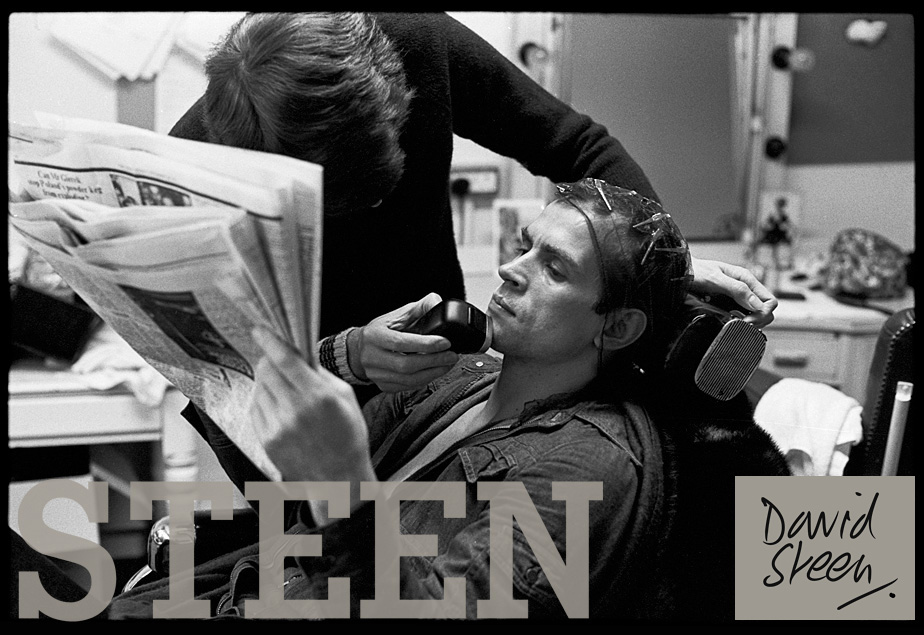 RUDOLF NUREYEV, BEING GROOMED FOR THE FILMING OF 'VALENTINO', LONDON, OCTOBER, 1976