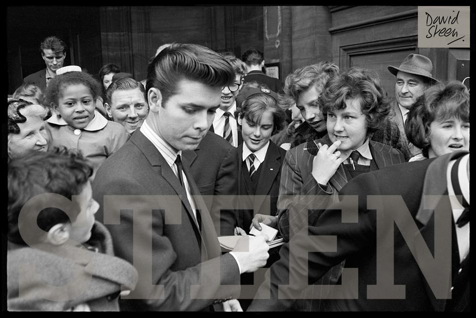 CLIFF RICHARD, SIGNING AUTOGRAPHS, ON TOUR, APRIL, 1964
