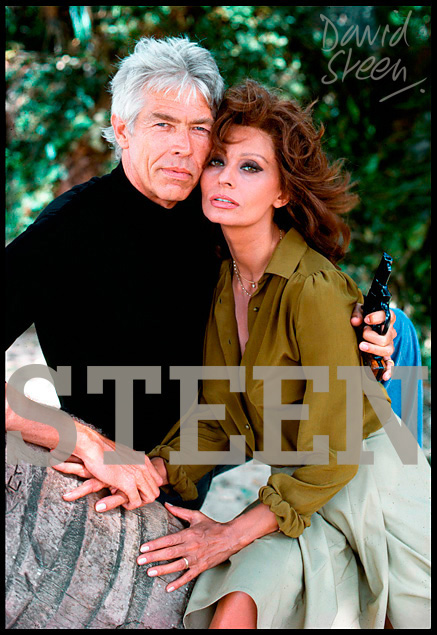 JAMES COBURN & SOPHIA LOREN, ANTIGUA, MAY, 1978